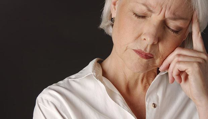 Миома матки при климаксе: симптомы и лечение